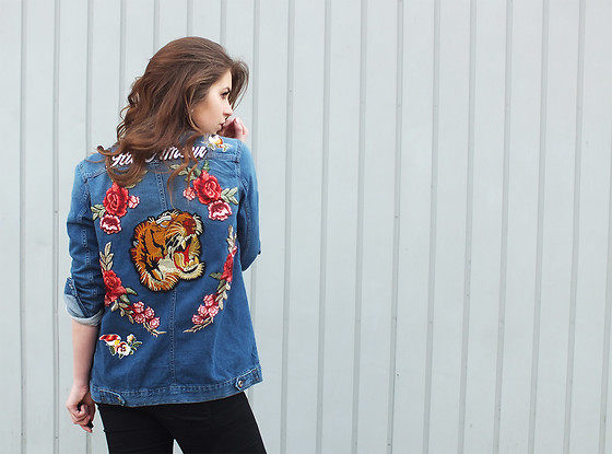 Custom Embroidered Denim Jackets │San Diego Hot Trends