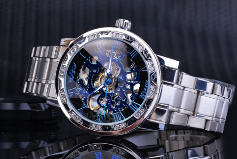5 Reasons to Own a Luxury Watch