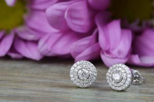 3 Tips for Buying Diamond Earrings