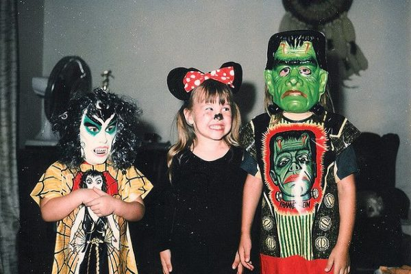 Trendy 80s Halloween Costume Ideas to Rock This Halloween